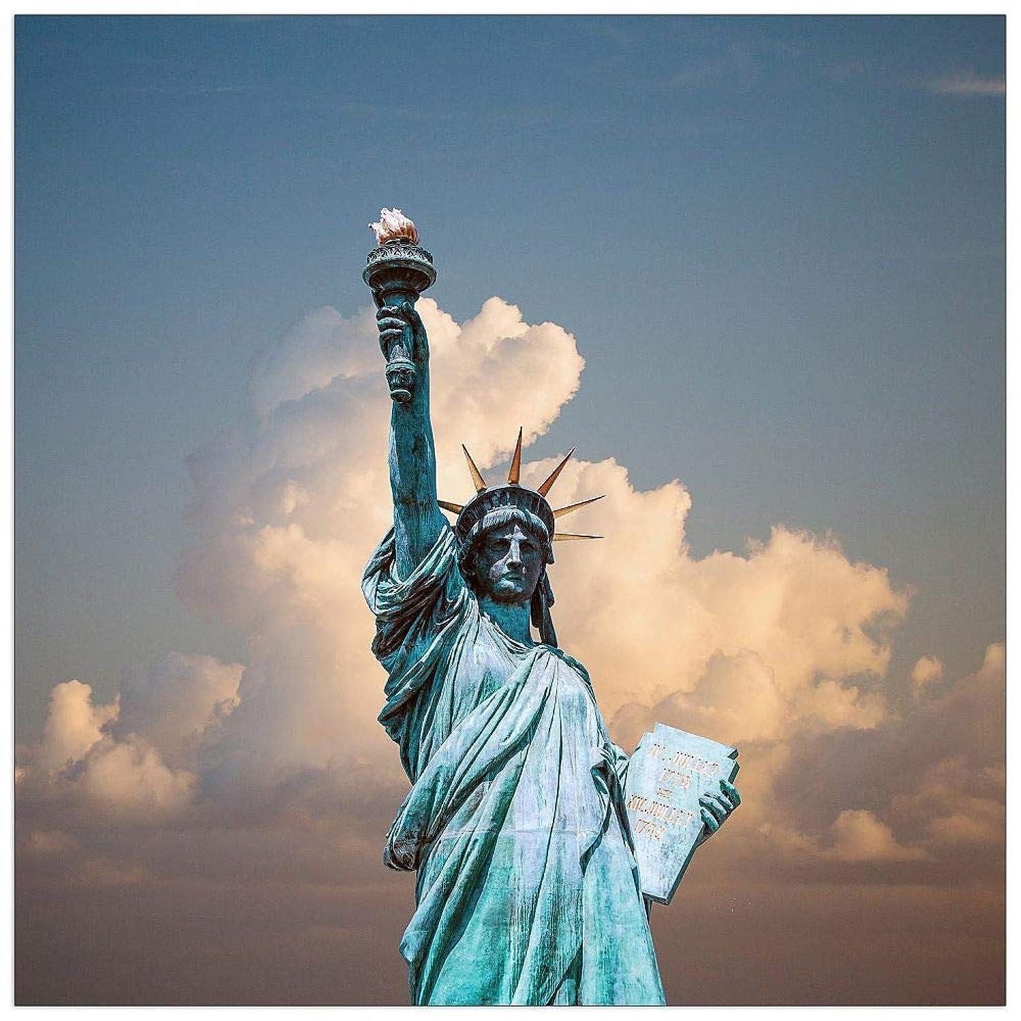 ArtPlaza TW92649 Art Studio - Statue of Liberty Decorative Panel 31.5x31.5 Inch Multicolored