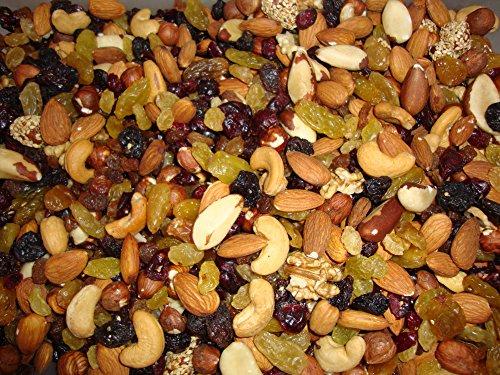Gemengde noten en druiven - Amandelen, hazelnoten, cashewnoten, pecannoten, paranoten, walnootpitten, rozijnen, veenbessen - hersluitbare zak 2 Kg