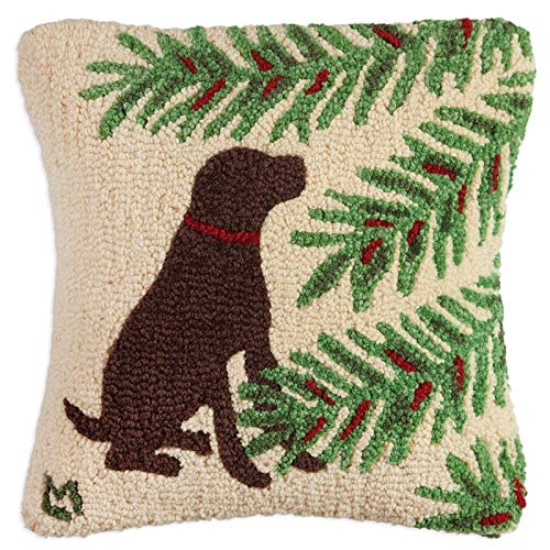 """Chandler 4 Corners Artist-Designed Holiday Chocolate Lab Hand-Hooked Wool Decorative Christmas Throw Pillow (18"""" x 18"""")"""