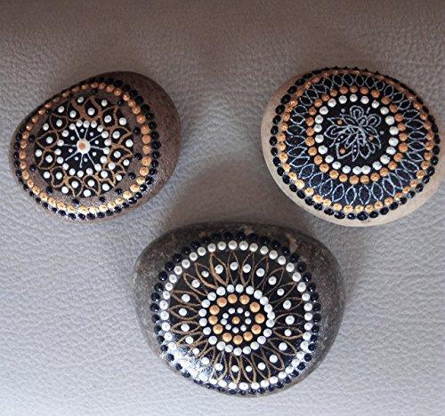 Mandalas pintadas en piedra