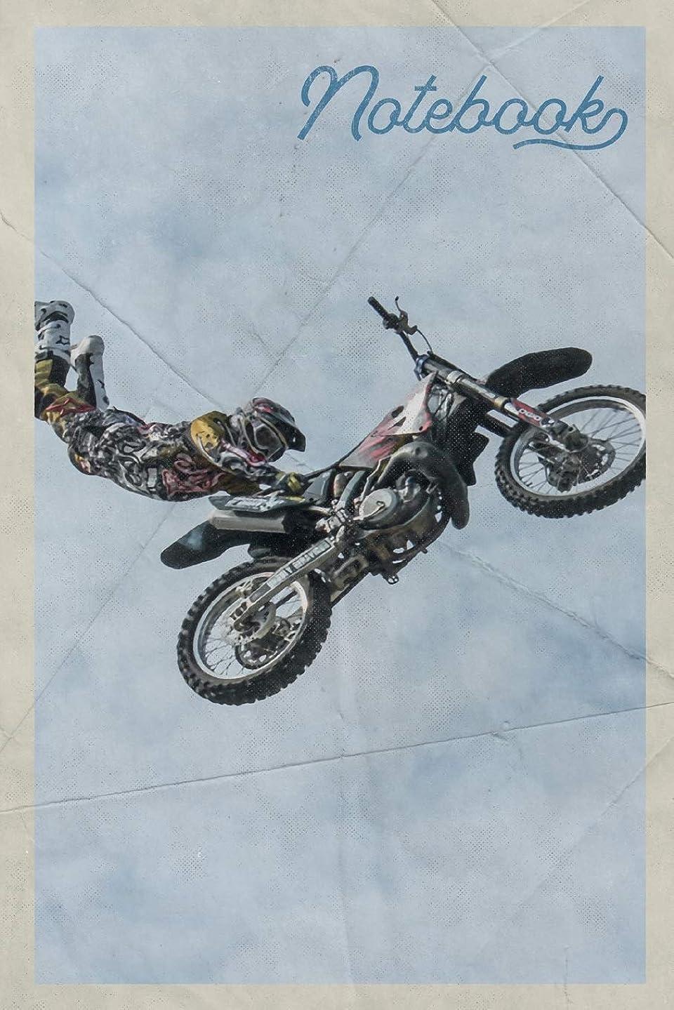 黒弁護士保持するNotebook: Freestyle Motocross Riders Useful Composition Book Journal Diary for Men, Women, Teen & Kids Vintage Retro Design for Dirt Bike Racing Fans