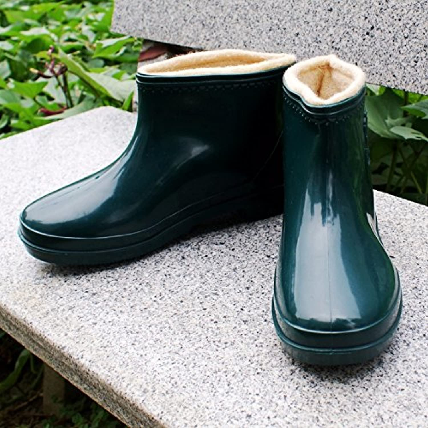 The winter cold and warm rain boots lady kitchen washing water shoes boots slip low help add hair