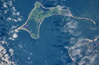 Satellite view of Gardiners island in Gardiners Bay East Hampton New York State USA Poster Print by Panoramic Images (36 x...