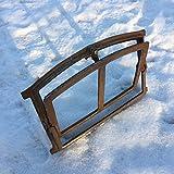 Antikas - ventana pequeña para abrir - ventana granero edificios viejos construcción antigua - marco de ventana de hierro fundido