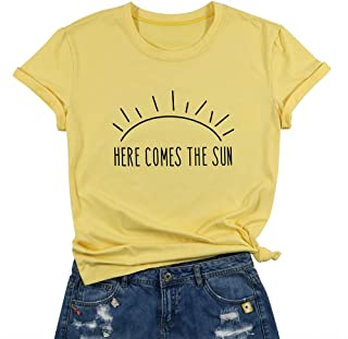 Here Comes The Sun T-Shirt Summer Beach Tee Sunshine Graphic Print Vacation Shirt Top for Women