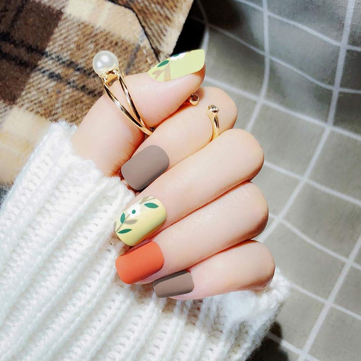 影響する桃ビュッフェXUTXZKA 24個ファッション偽ネイルズマットブラウンオレンジスクエア人工ネイルのヒントステッカーオフィスホーム