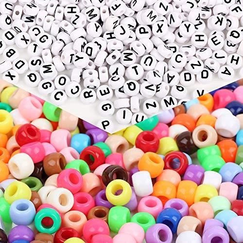 FLOFIA 1000 Perlas de Colores Cuentas de Pony (6 x 9mm) Y 500 Cuentas de Letras Redondas Abalorios Acrílicas de Alfabeto (4 x 7mm) para Manualidades, Pulseras, Bisuteria, DIY 1 Juego de 1500 Total
