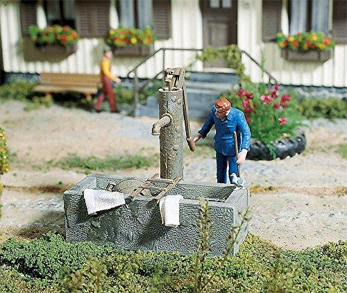 POLA 333212 - Fontana a Pompa con Getto d'Acqua, Accessori per modellismo Ferroviario, modellismo