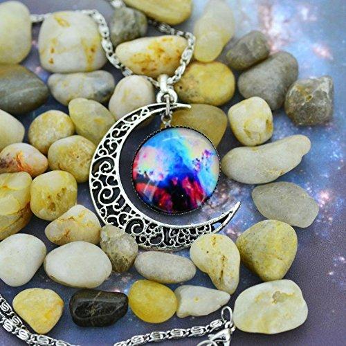 5starwarehouse® Halskette mit Anhänger in Galaxie-Optik, bunt, Glas, hohl, Halbmond, Weltraum – mit Tuch von 5 Sternen (4)