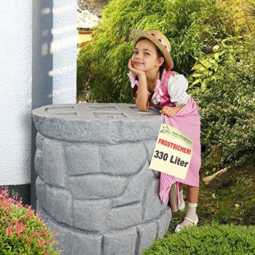 Regentonne Märchenbrunnen 330 l, Regenfass FROSTSICHER mit stabilem Deckel und Wasserhahn, schöner und fast unverwüstlicher Regenspeicher, echte Steinstruktur, BRUNNEN wie gemauert (Granit-grau 330l)