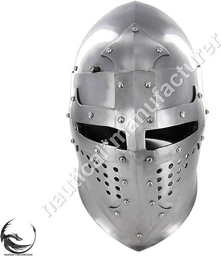 Antiker Mittelalter Ritter Geschlossener Rüstungshelm bereit für Schlachten Halloween Kostüm
