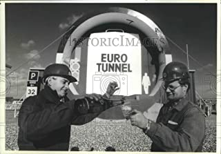 Historic Images - 1990 Press Photo Two French Workers Celebrate Linking of Channel Tunnel