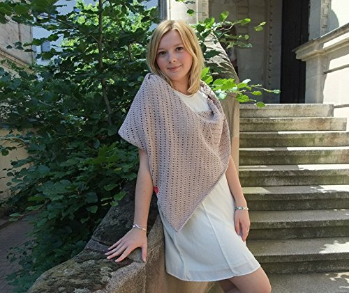 MyOma Strickset Poncho in beige mit Cotton Pure Wolle Sommer Poncho zum selber Stricken - Strickpackung Anleitung - Strickset
