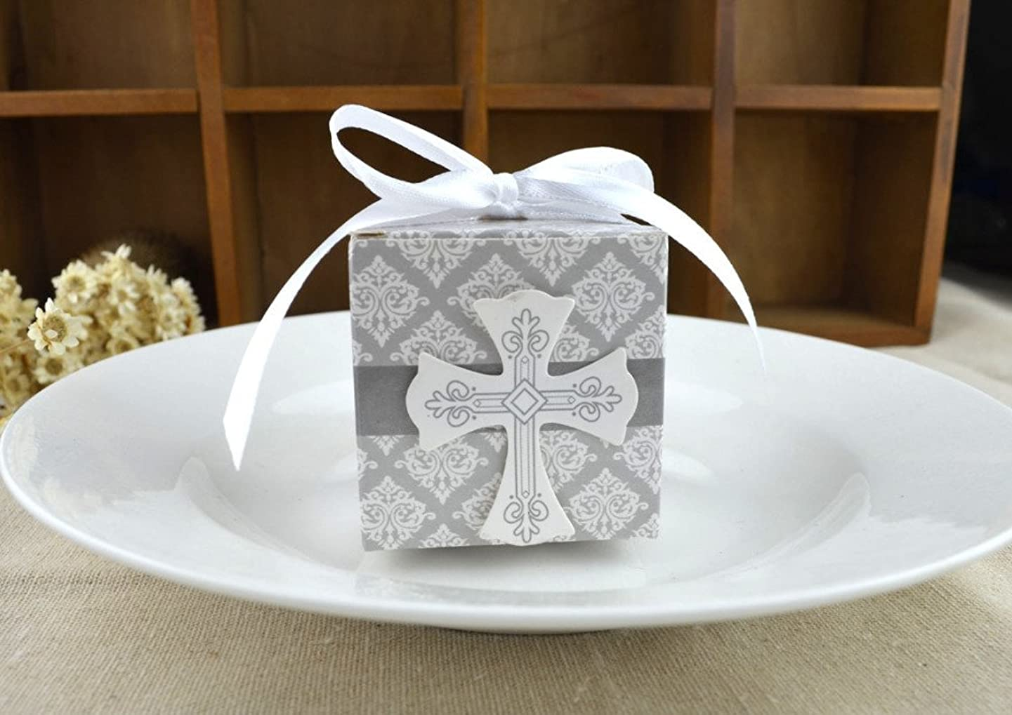 50pcs First Communion favor cross candy box Christening baby shower wedding party bomboniere wrap holders with ribbons