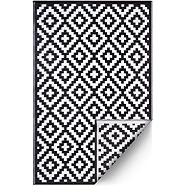 FH Home Indoor/Outdoor Recycled Plastic Floor Mat/Rug - Reversible - Weather & UV Resistant - Aztec - Black/White (6 ft x 9 ft)