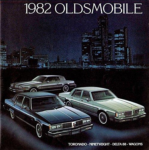 1982 Oldsmobile 26-page Sales Brochure Catalog - Toronado Delta 88 98 Custom Cruiser