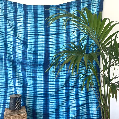 MOMOMUS Tapiz Shibori Tie Dye - 100% Algodón, Grande, Multiuso - Pareo/Toalla de Playa Gigante - Manta de Picnic Ligera o Alfombra Antiarena XXL - Azul D, 210x230 cm