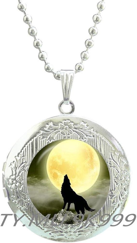 Yao0dianxku Howling Wolf Full Moon Locket Pendant, Wolf Moon Locket Necklace, Howling Wolf Locket Pendant, Howling Wolf Locket Necklace, Wolf Jewelry, Glass Dome.Y025