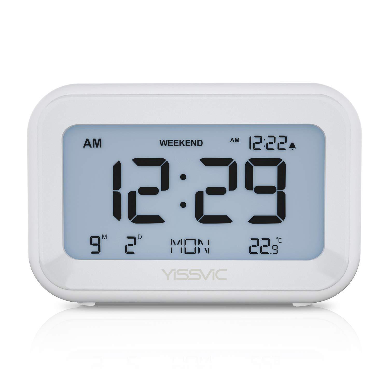 枯渇記念サスペンドYISSVIC 置き時計 デジタル時計 目覚まし時計 トラベルクロック アラーム スヌーズ機能 日付/曜日/温度表示 週末モード 電池式 LCD バックライト 音量調整可能 大音量 シンプル 旅行/出張などに