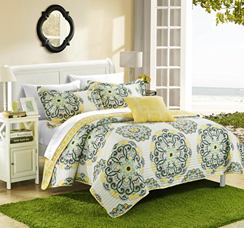 Chic Home Madrid 4 Piece Reversible Quilt Set Super Soft Microfiber Large Printed Medallion Design with Geometric Patterned Backing Bedding Set with Decorative Pillow and Sham, Full/Queen Yellow