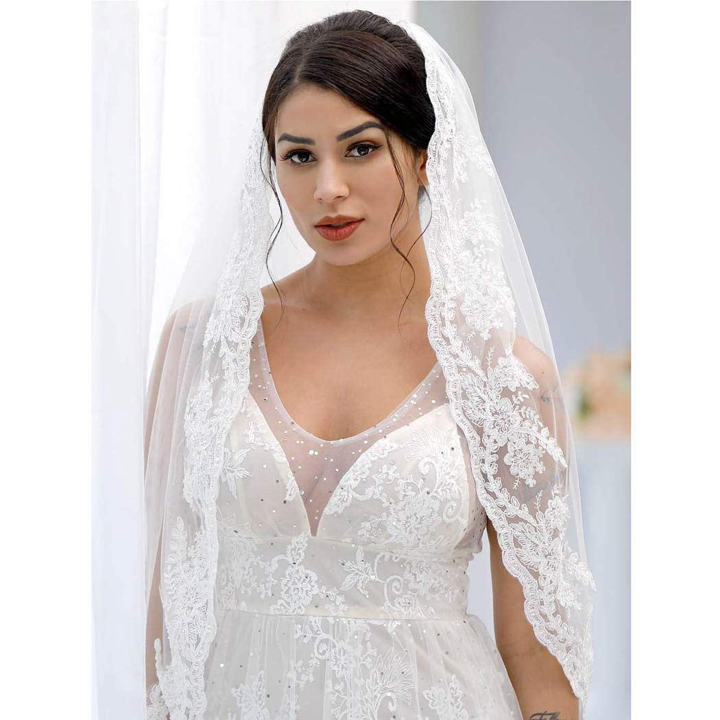 Yean Bride Wedding Veil Ivory Bridal Hair Accessories Waist Veil with Lace Edge and Comb Attached 1 Tier 35 Inches