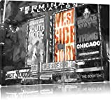 beleuchtetes West Side Story Plakat am Broadway Format: