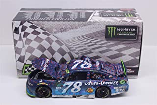 Lionel Racing Martin Truex Jr 2017 Charlotte Race Win Auto-Owners NASCAR Diecast 1:24 Scale