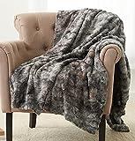 Amazon Brand – Pinzon Faux Fur Throw Blanket - 50 x 60 Inch, Frost Grey