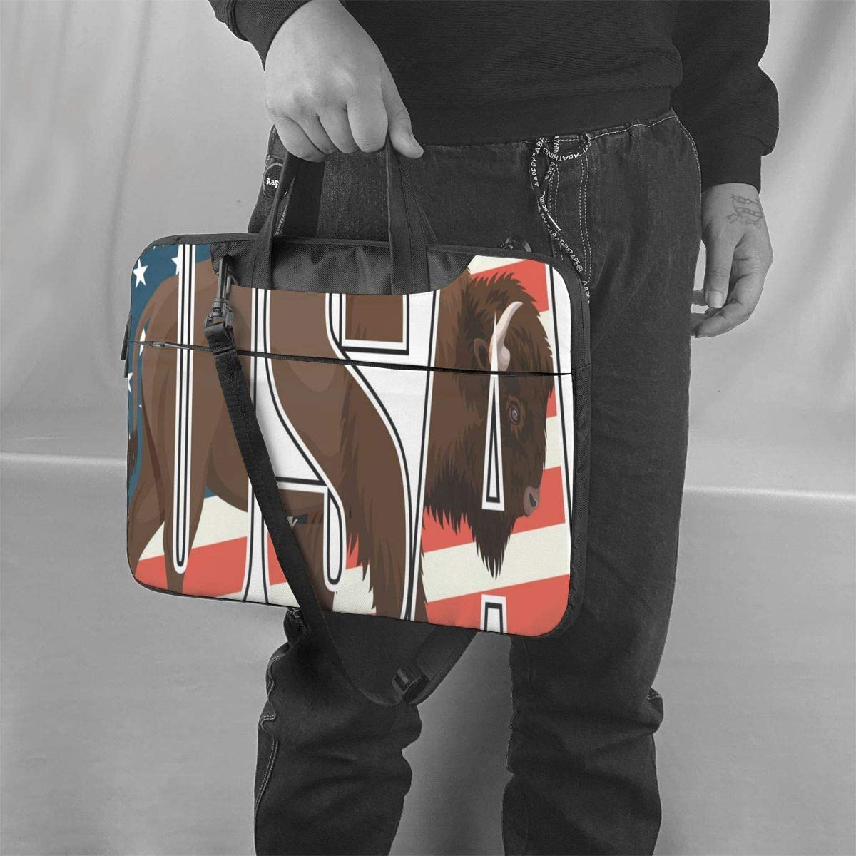 Brown Zubr Buffalo Bison On US Flag Laptop Case 14 Inch Carrying Case with Strap
