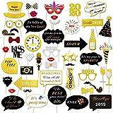 Konsait 50pcs capodanno 2020 Photo Booth Accessori fai da te Photo Booth puntelli Kit Foto Props Divertente Maschere baffi cappello Occhiali per Nuovo Anno matrimonio feste di compleanno decorazioni
