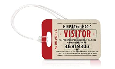 Fantastic Beasts: The Crimes of Grindelwald – Ministry of Magic Visitor - Luggage Tag