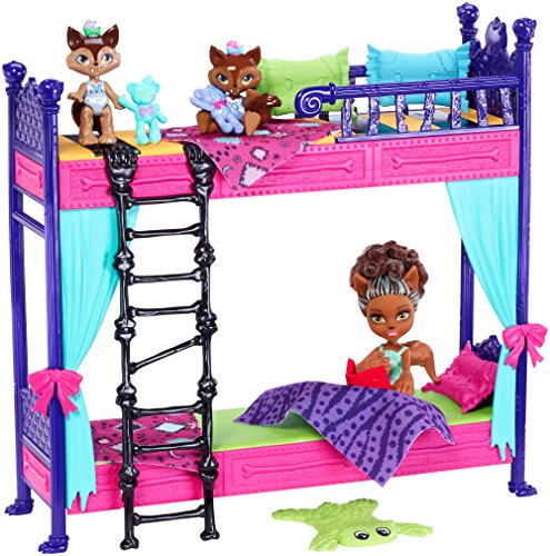 Monster High Monster Family Wolf Bunk Bed Playset and Dolls