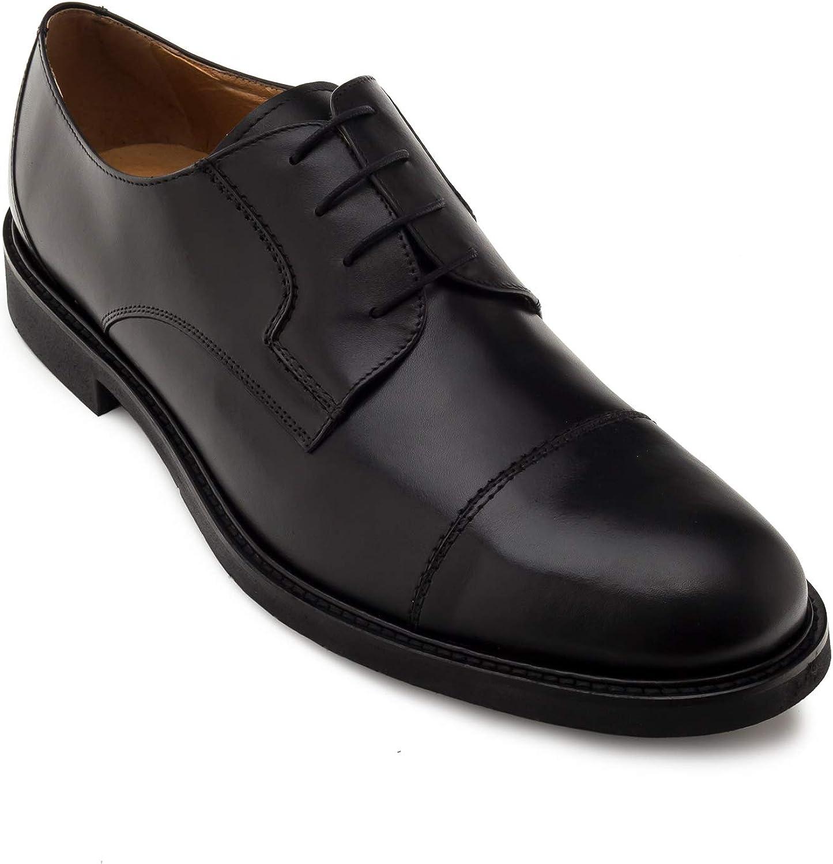 Chaussures en Cuir. Fermeture à Lacets en Couleur Rouge. Grandes Pointures du 47 au 50. Fabrication Espagnole.