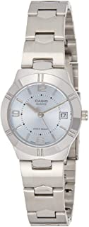 ساعة يد بمينا قياسية وسوار من الستانلس ستيل للنساء من كاسيو ازرق