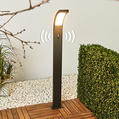 Lucande LED Außenleuchte 'Juvia' mit Bewegungsmelder (spritzwassergeschützt) (Modern) in Schwarz aus Aluminium (1 flammig, A+, inkl. Leuchtmittel) - Wegeleuchte, Pollerleuchte, Wegelampe