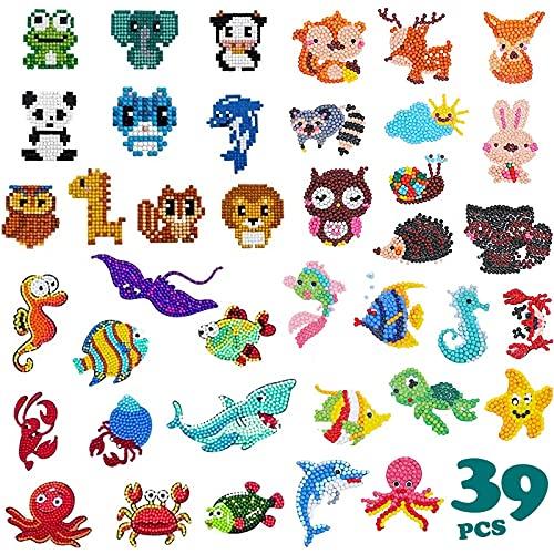 Diamante Stickers Kits, XiYee 39 Pcs DIY Pintura de Diamante para Niños, 5D Pegatinas de Rompecabezas de Diamantes, Painting Animales Sticker para Notebook Taza Teléfono