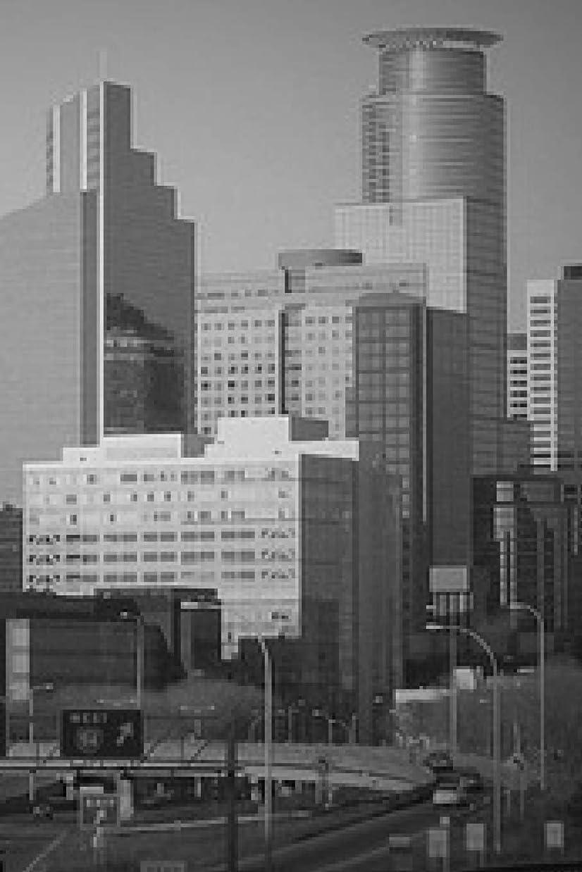アンプレポートを書く靴Minneapolis in Black and White: 150 page lined 6 x 9 notebook/diary/journal