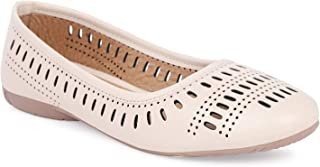 Apratim Synthetic Women/Girls Casual Wear Flat/Jutti Off-White Color