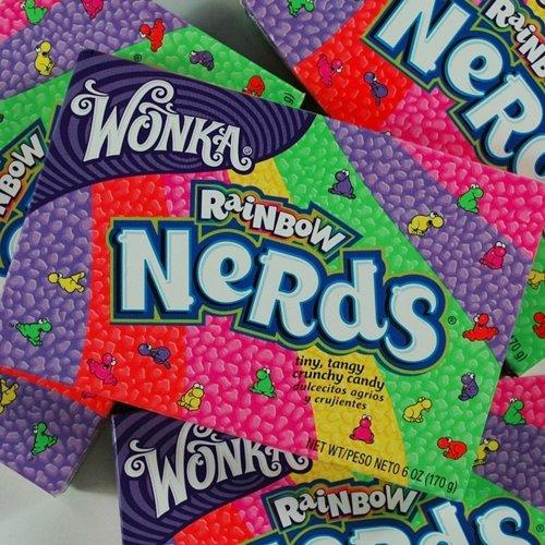Wonka Nerds Rainbow 141,7g 46746 VE 12 Amazon