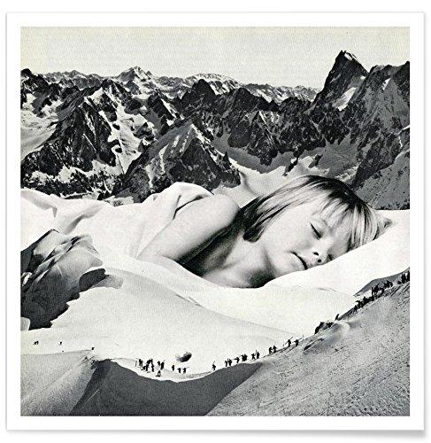 """Juniqe® Menschen Schwarz & Weiß Poster 20x20cm - Design """"Silent Rescue"""" entworfen von Sammy Slabbinck"""