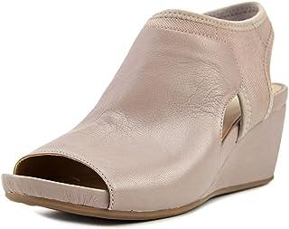 80659256dabd Amazon.com  Naturalizer - Platforms   Wedges   Sandals  Clothing ...
