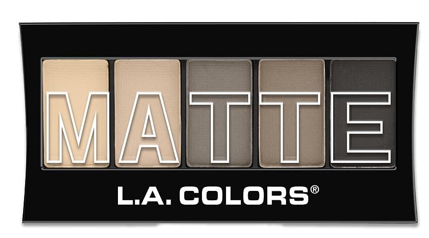 ワーディアンケース差し引くから聞くL.A. Colors Matte Eyeshadow - Nude Suede (並行輸入品)