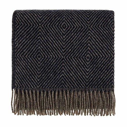 URBANARA 140x220 cm Wolldecke 'Gotland' Dunkelblau/Grau — 100% Reine skandinavische Wolle — Ideal als Überwurf, Plaid oder Kuscheldecke für Sofa und Bett — Warme Decke aus Schurwolle mit Fransen