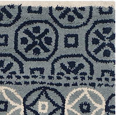 Tapis rectangulaire d'intérieur de transition tufté à la main, collection Bella, BEL119, en ivoire / bleu, 122 X 183 cm pour le salon, la chambre ou tout autre espace intérieur par SAFAVIEH.