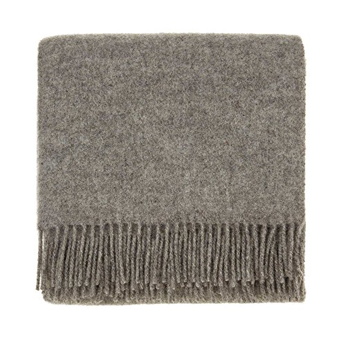 URBANARA 130x190 cm Lammwolldecke 'Miramar' Hellgrau — 100% Reine Lammwolle — Ideal als Überwurf, Plaid oder Kuscheldecke für Sofa und Bett — Warme Wolldecke mit Fransen