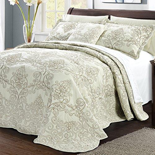 Home Soft Things Serenta Damask 4 Piece Bedspread Set, Oversize Queen (110u0022 x 120u0022), Light Green