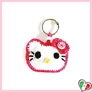 Llavero Hello Kitty con borde fucsia de ganchillo