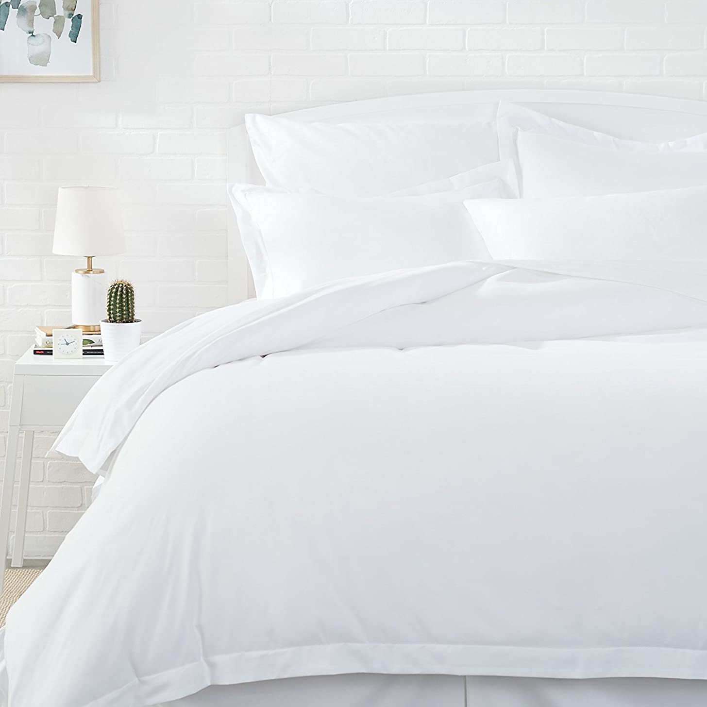 AmazonBasics Microfiber Duvet Cover Set - Lightweight and Soft - Twin/Twin XL, Bright White
