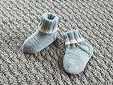 Babysöckchen, Babyschuhe, Taufe, handgestrickt, 0-3 Monate, hellblau- weiß