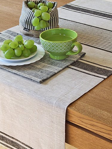 1 unidad. Camino de mesa Provance de lino. Color negro. LinenMe 50 x 128...